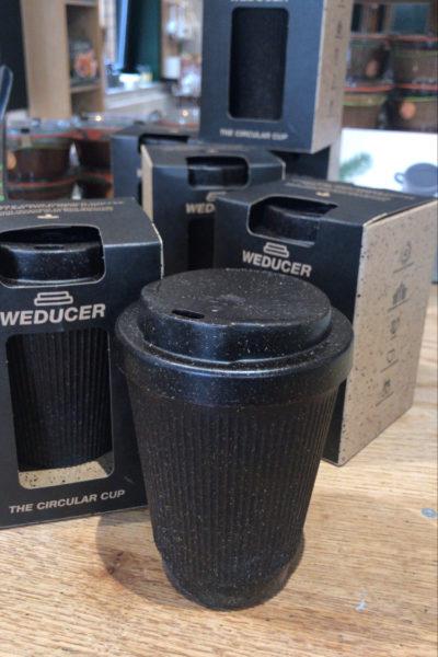 Kaffebecher aus recyceltem Kaffeesatz